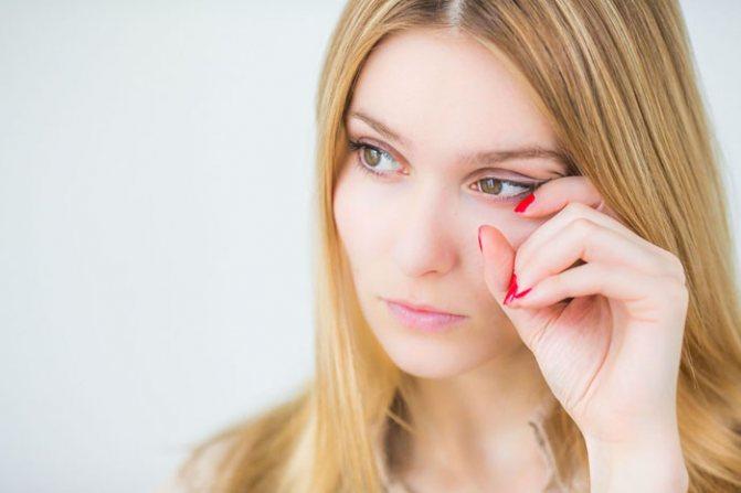 Аллергия вокруг глаз: как избавиться?