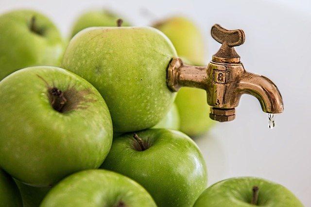 краник из фрукта