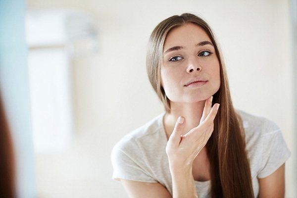 Самые лучшие кремы от угревой сыпи на лице